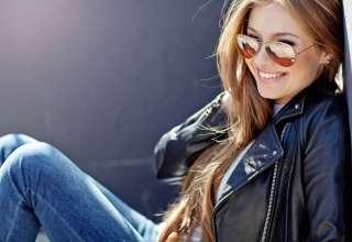 Beautiful Fashionable Young Woman Wallpaper