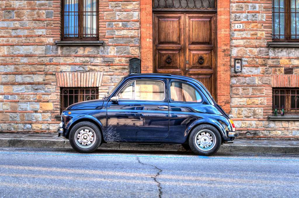 Auto Mini Retro Side View HDR Wallpaper