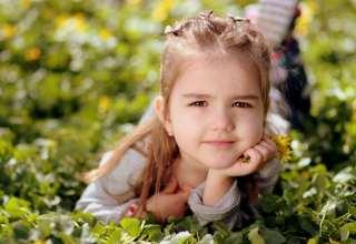 Cute Kid Girl Wallpaper