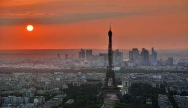 Eiffel Tower in Paris Wallpaper