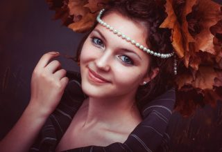 Adult Attractive Autumn Beads Wallpaper