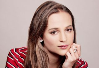 Alicia Vikander Face Wallpaper