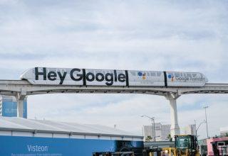 گوگل به سیری و الکسا
