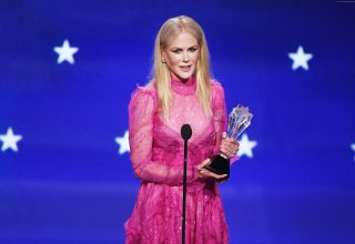Nicole Kidman Dress Critics Choice Awards 2018 Wallpaper