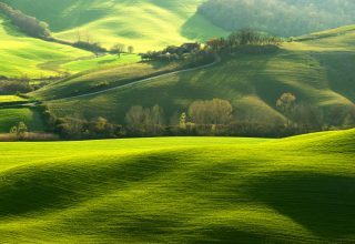 Tuscany Italy Hills Green Field 8k Wallpaper