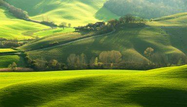 Tuscany Italy Hills Green Field 8k Wallpaper