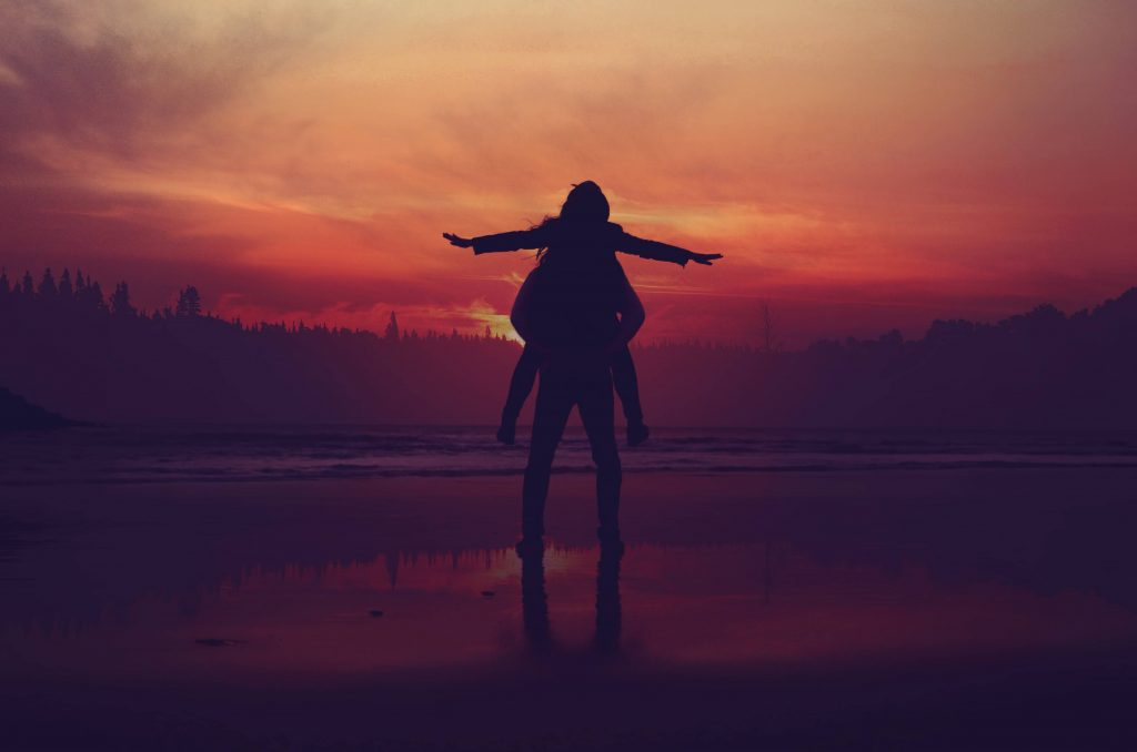Couple Sunset Love Silhouettes Wallpaper