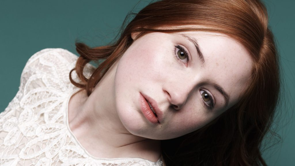 Karen Gillan Close-up Wallpaper