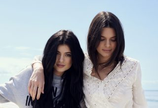 Kendall & Kylie Jenner Models Wallpaper