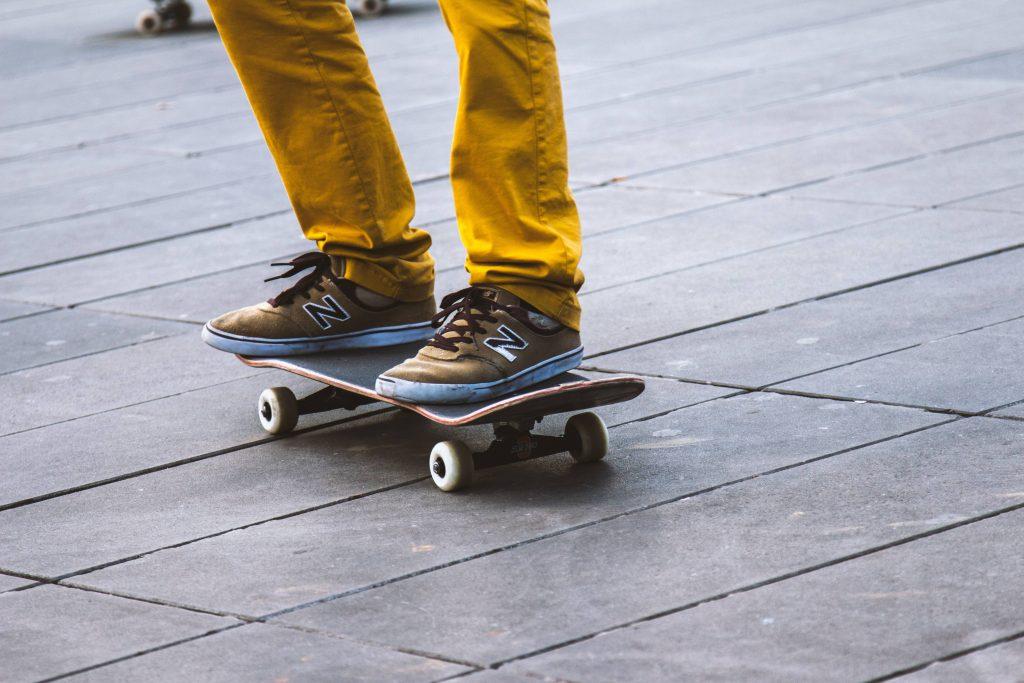 Skateboard Sneakers Legs Wallpaper
