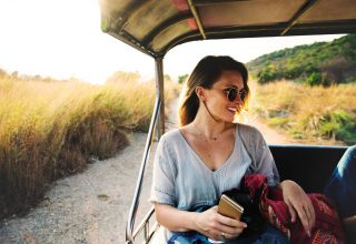 Women Adventure Sunglasses Happy Travelling Wallpaper