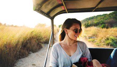 Women Adventure Sunglasses Happy Travelling Wallpaper