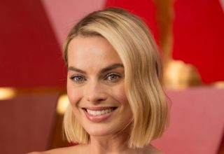 Margot Robbie at Oscars 2018 Wallpaper