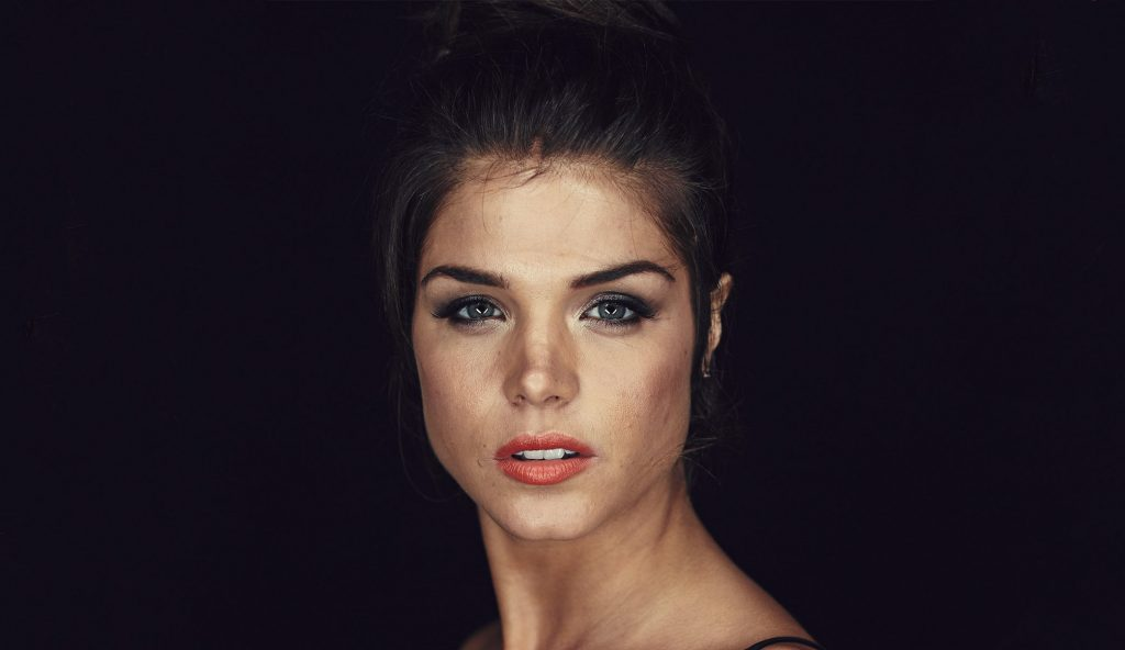 Marie Avgeropoulos 201...