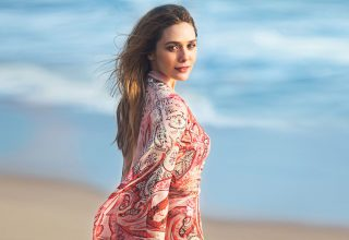 Elizabeth Olsen in Beach Photoshoot Wallpaper