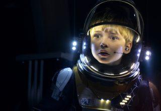 Lost in Space Season 1 Max Jenkins TV Series Wallpaper