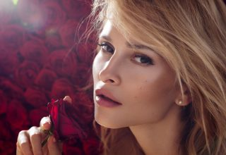 Woman Model Red Rose Wallpaper