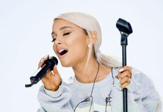 Ariana Grande Live Wallpaper
