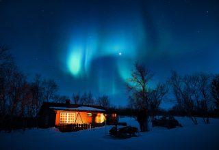 House Under Aurora Northern Lights Wallpaper