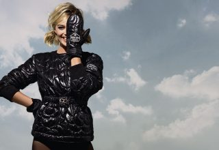 Margot Robbie Chanel Photoshoot Wallpaper