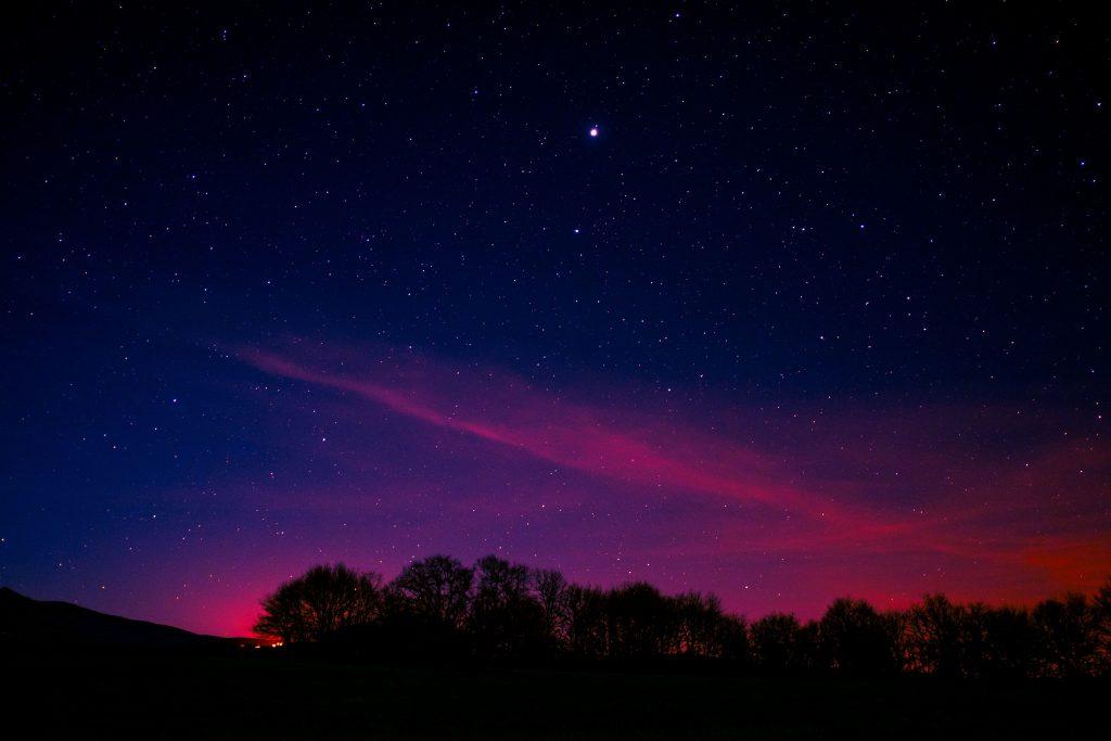 Minimal Night Pink Aurora Long Exposure 5k Wallpaper